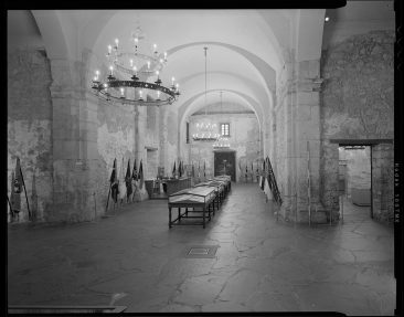 TX-318-A-16 Nave looking west sacristy on right with scale